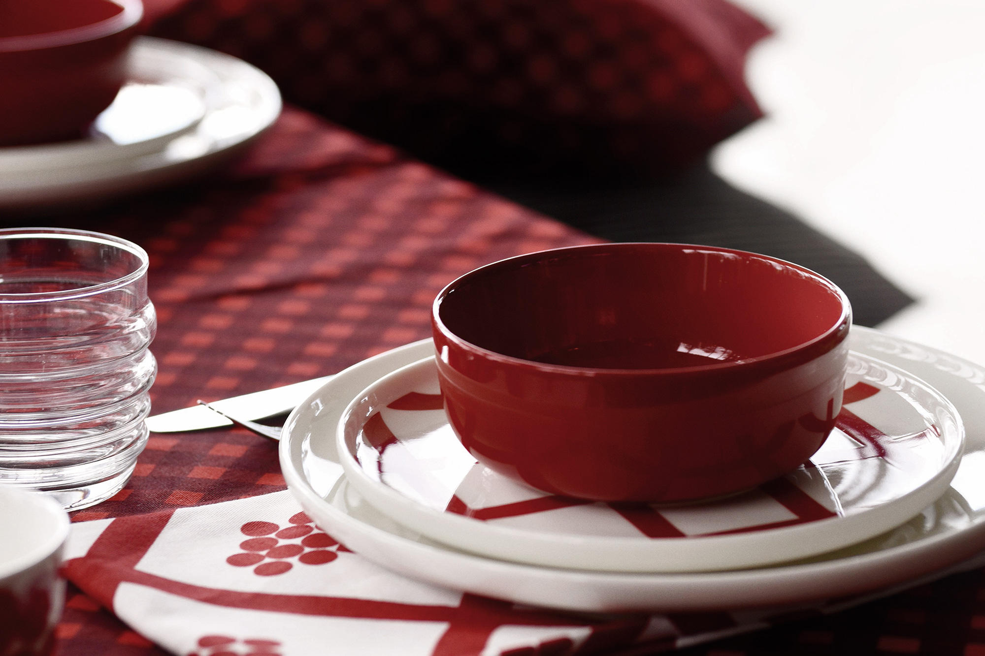 11.17- New Colours! Oiva Tablewear